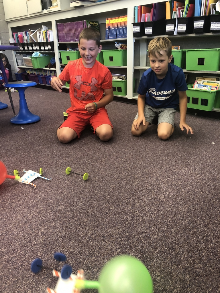 3rd graders enjoyed building balloon cars during our STEM science time!