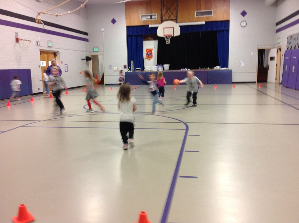 "Kindergarten & 1st Grade playing ""Uninterrupted"", a cardiovascular game."
