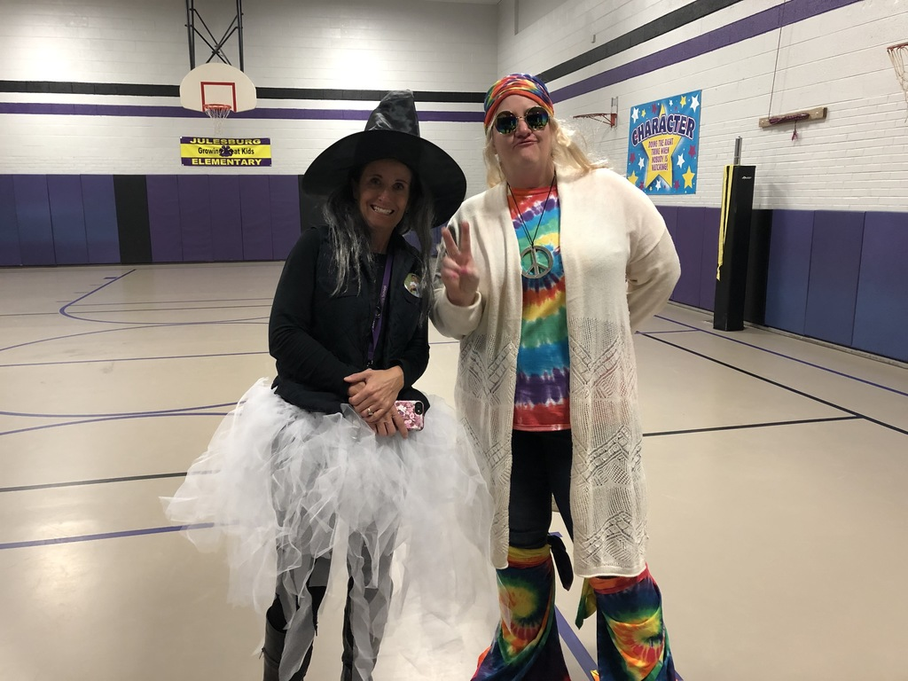 Mrs. Edson and Mrs. Hoschouer looking good!